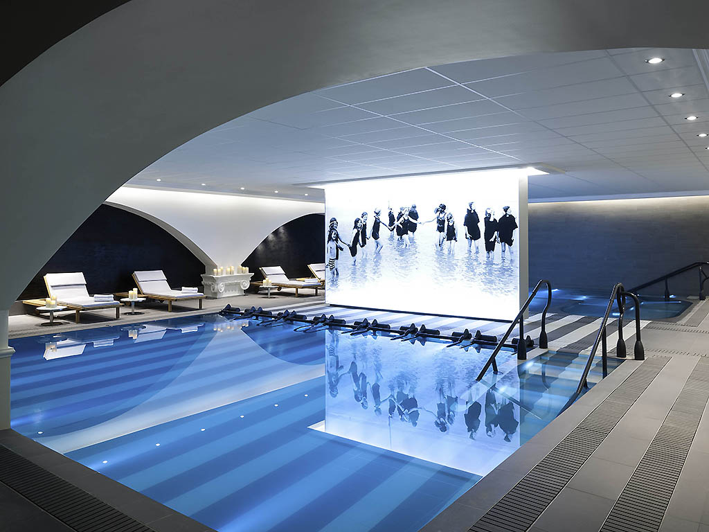 Cures marines trouville h tel thalasso spa 5 miss for Piscine trouville