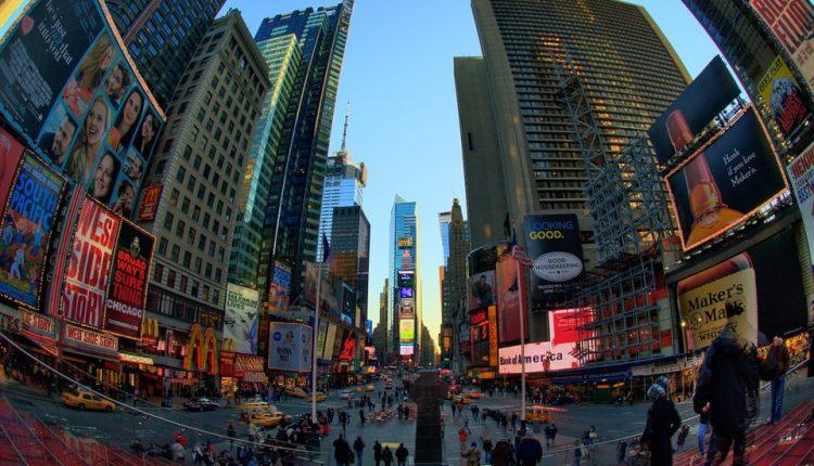times-square-NYC-pixabay