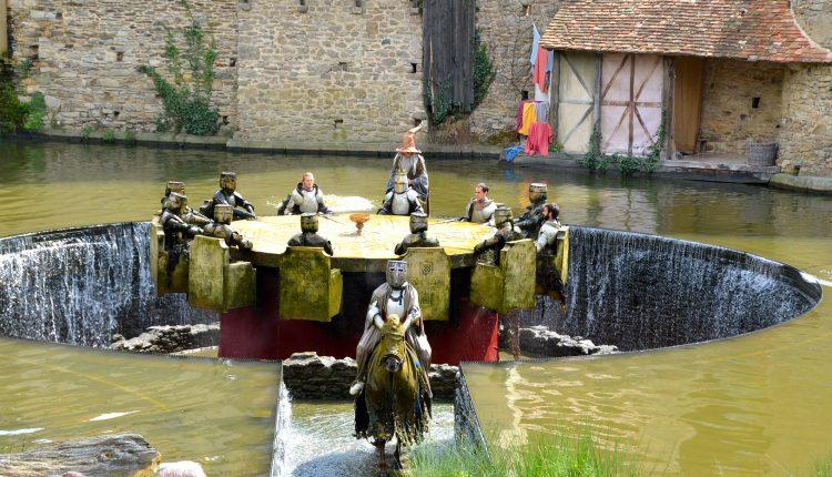 Chevaliers-de-la-table-Ronde-@Puy-du-Fou