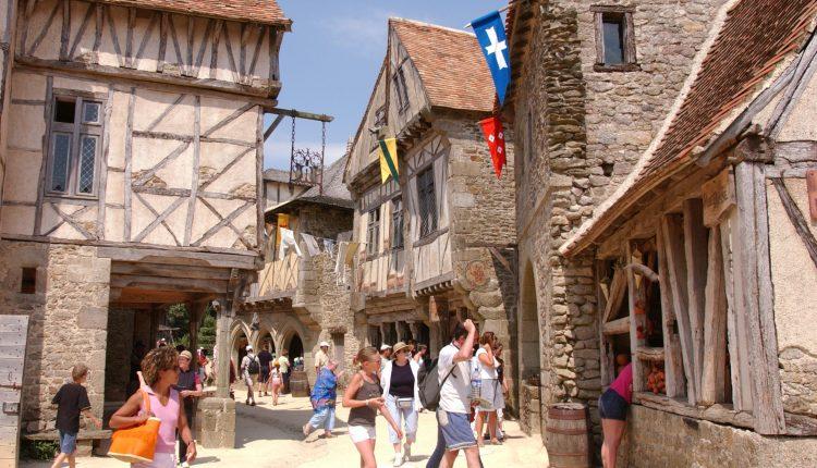 Cité-Médiévale-@Puy-du-Fou