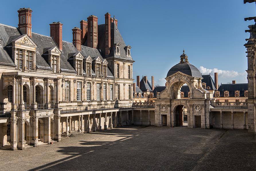"""Résultat de recherche d'images pour """"Fontainebleau la cour ovale"""""""