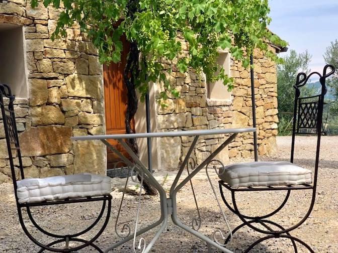 Ouverture du domaine des Bergeries en Haute-Provence sur miss konfidentielle avec Jean-Luc Monteil et Eloïse Massot © domaine de la Bergerie de Haute-Provence